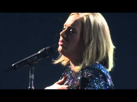 Adele - Skyfall - Live at Manchester Arena 11/03/2016