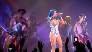 Katy Perry - Firework - Live PARIS 2011