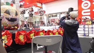 2019年10月27日 AKB48 Team8 松山デザインウィーク 高岡薫さん、吉川七瀬さん、岡部麟さんのステージ向かって左側からの固定カメラによる全景動...