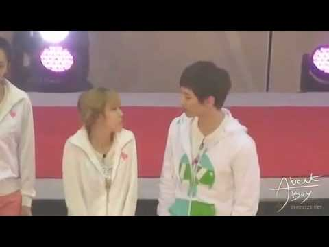 (2PM) Junho gives chocolate to (SNSD) Jessica