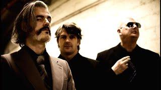 アントワープを拠点とする3ピースバンド。 1998年に結成し、2004年に初...