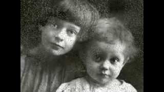 Марина Цветаева --- Молитва --- Тамара Гвердцители(26 сентября 1909 года (8 октября по н.с.), в свой день рождения, семнадцатилетняя Марина Цветаева написала стихот..., 2013-09-08T02:39:32.000Z)