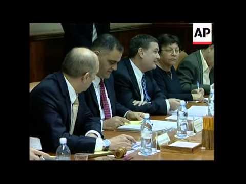 Israeli Prime Minister Olmert convenes cabinet, min on settlements