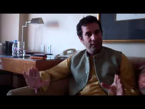 EXCLUSIVE VIDEO: Director Tarsem Singh talks 'Immortals' and 'Mirror Mirror'