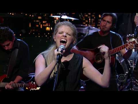 Dixie Chicks - Not Ready to Make Nice (Live on the Late Show with David Letterman 2006)