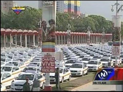 Presidente Maduro entregó 400 taxis de la Misión Transporte