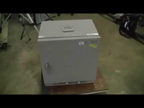 VWR Scientific Gravity Convection Oven Model 1320