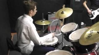 Репетиция одной молодой группы
