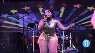 Roxxy, la chanteuse de Anguilla à fait le chaud