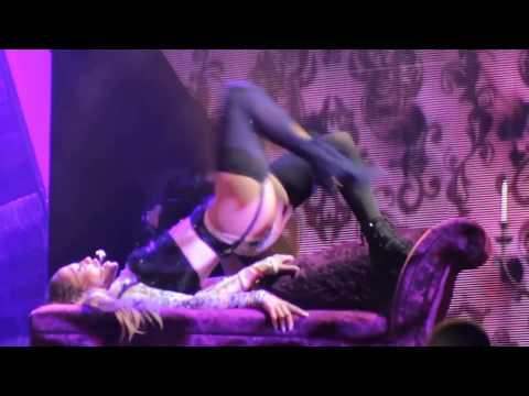 Jennifer Lopez Strips in concert