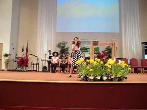 Nicole Diaz ( Iglesia el Pabellon de la Victoria e...
