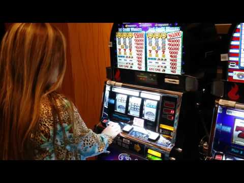 High Roller @ Potawatomi Casino - $10 Slot Machine @ Milwaukee, WI