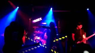 MALT - Aşk Şarkısı Live @Bronx ( 15.01.2011 ) dinle ve mp3 indir