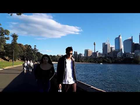 Walk From Mrs Macquarie's Chair To The Sydney Opera House