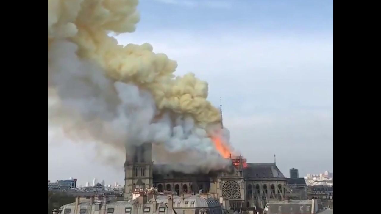 Notre Dame Katedrali böyle yandı