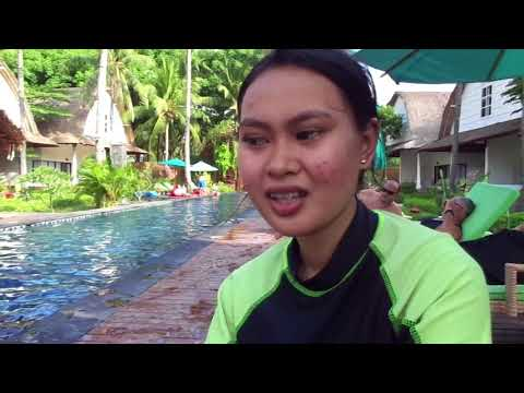 Young Muslim lady from Surabaya talks about her Catholic friend
