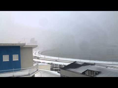 Icelandic weather time-lapse 10 Feb 2015