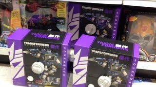 Video TRANSFORMERS INSIDER: Buying Masterpiece Soundwave at TOYSRUS! action figure aisle toy run download MP3, 3GP, MP4, WEBM, AVI, FLV Juni 2018
