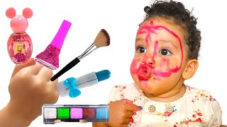 Sami and amira learn colors with makeup