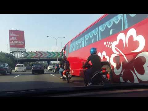 Highway entering into Kuala Lumpur