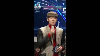 Download Video Wonwoo singing and dancing to girl groups' songs MP3 3GP MP4