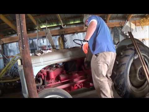Bringing the old Ford 8N back to Life (part 1)