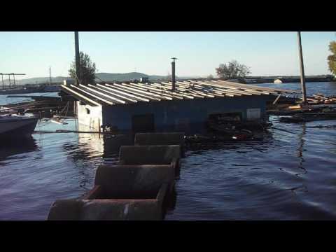 осень13 по затопленной лодочной на лодке Комсомольск на Амуре