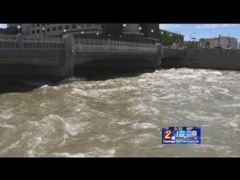 4/27 5:30pm Truckee River Moving Fast