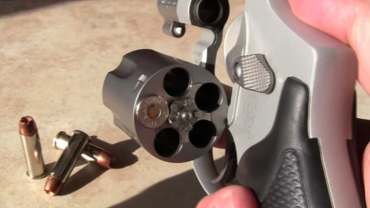 SMITH AND WESSON 642 REVIEW (J frame airweight) - YouTube