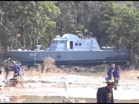 GRAPHIC FOOTAGE: 2004 Tsunami - Thailand PART 1
