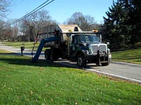 Brecksville Ohio Automated Leaf Vacuum Truck