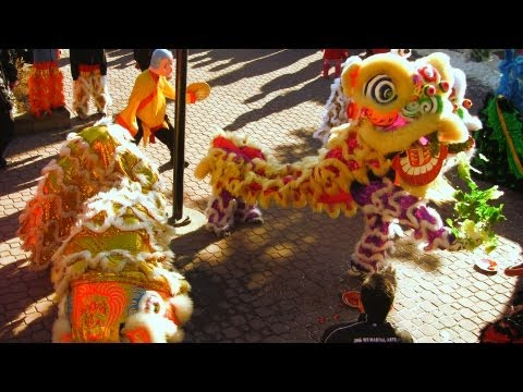 Lion Dance Calgary 2013 At The Temple For CNY