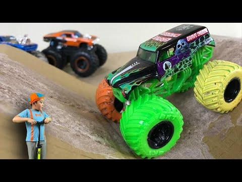 BLIPPI Monster Trucks Inspired GRAVE DIGGER in the MUD for Kids