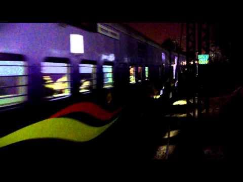 22418 New Delhi - Varanasi Mahamana Express powered by Ghaziabad WAP-5 (4K)