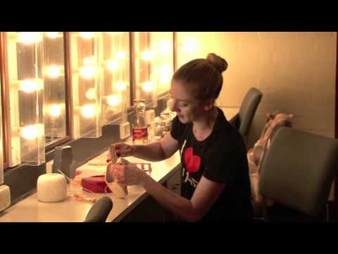 How to prepare pointe shoes with Andrea Parkyn