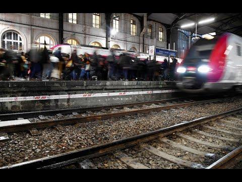 فرنسا: الإضراب مستمر لليوم الخامس وشلل في حركة وسائل النقل  - 08:59-2019 / 12 / 9
