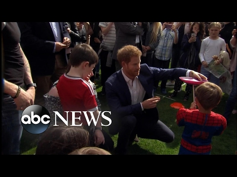 Royals host Buckingham Palace kids party