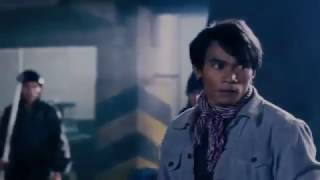 Tony Jaa fighting scene 2/5 in Tom Yum Goong