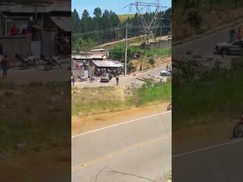 Troca de tiros em Itabira bairro Pedreira