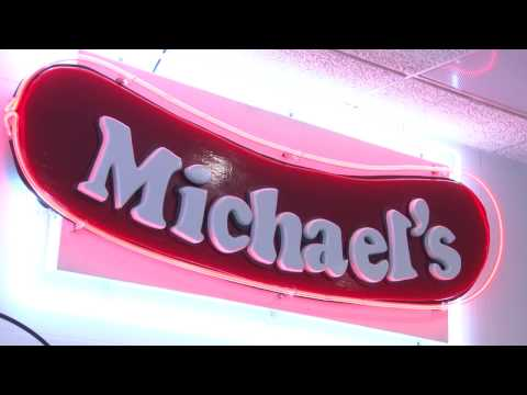 Michael's Chicago-Style Red Hots | Highland Park, Illinois | Visit Lake County, Illinois
