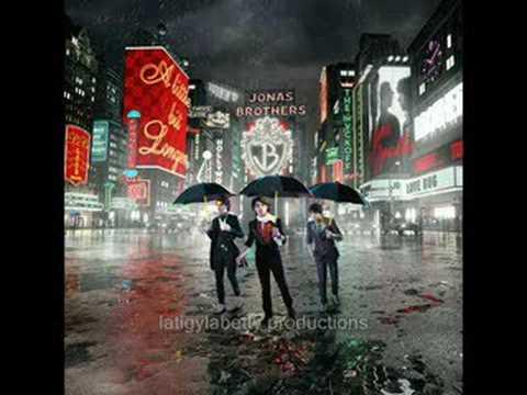 Jonas Brothers - LoveBug Radio Edit -  With Lyrics