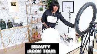 HERE IS MY MINIMALISTIC BEAUTY ROOM TOUR