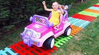 Öykü Prenses Arabası İçin Oyuncak Çit Yolu Yaptı -Toy Fence Car Way, Oyuncak Avı