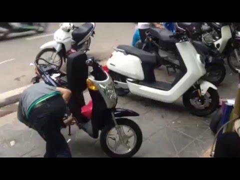 Xe máy điện BOSCH NIU N1 E-SCOOTER so găng với xe đạp điện TERRA MOTORS 750 tại Hà Nội
