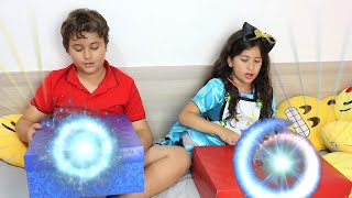 Uma caixa mágica para meninas e meninos★ Maria and Magic Box for Girls