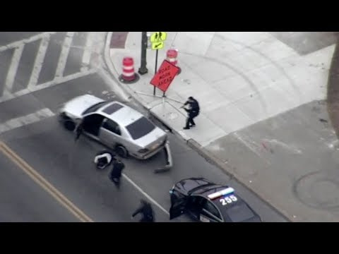 Download Youtube: Gunman flees Baltimore police in high-speed chase