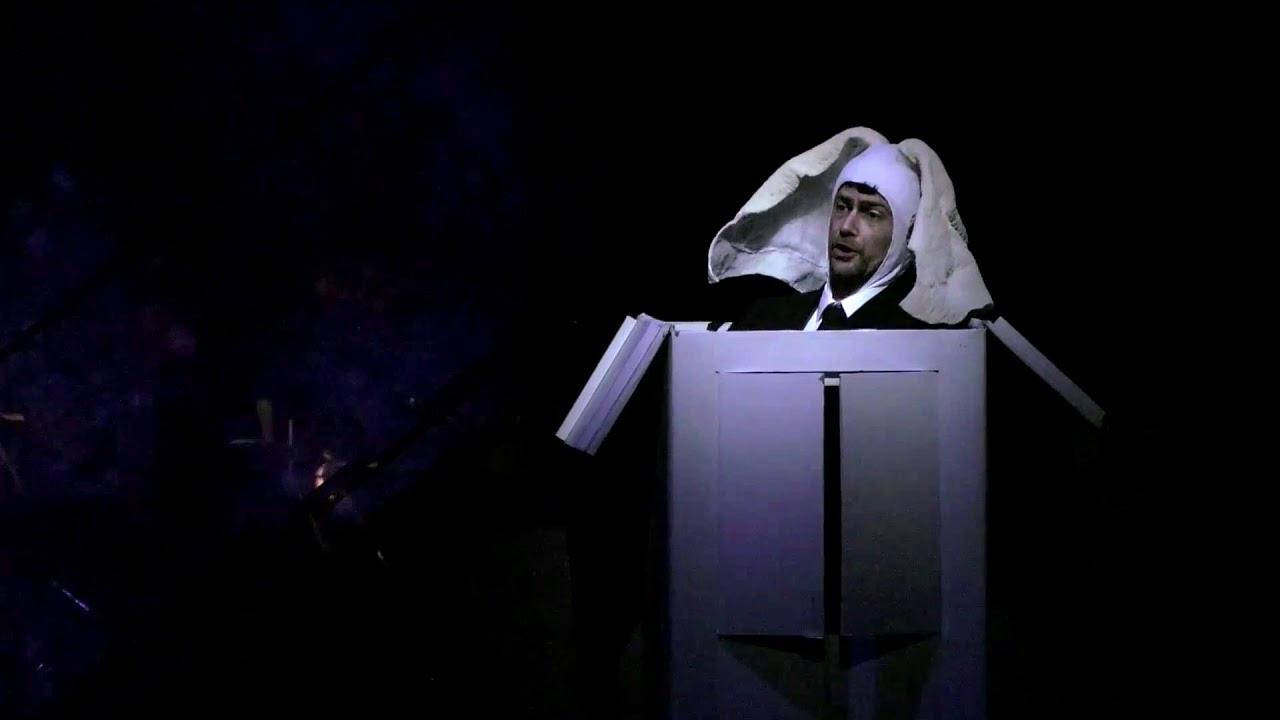 Maurice Ravel: L'Heure Espagnole - Martin Hässler as Don Iñigo Gomez