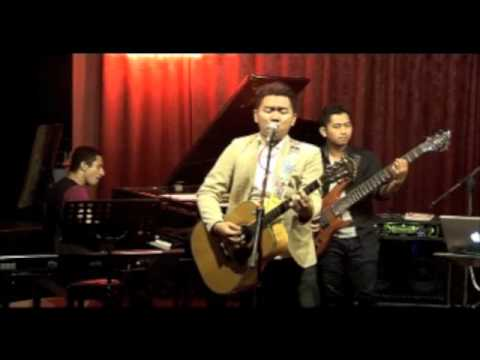 Suave - Senandung Masa Lalu @ Red White Jazz Lounge Travel Video