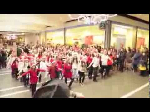 Flashmob (flash mob) Coop Les Eplatures, La Chaux-de-Fonds,