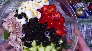 Легкий салат с маслинами | Рецепт овощного салата с маслинами и курицей